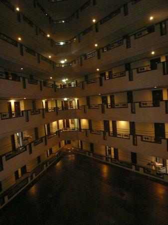 Centara Hotel & Convention Centre Udon Thani: 無駄に3角形の空間が取られている