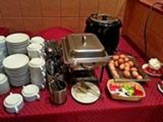 Elizar Hotel : завтрак