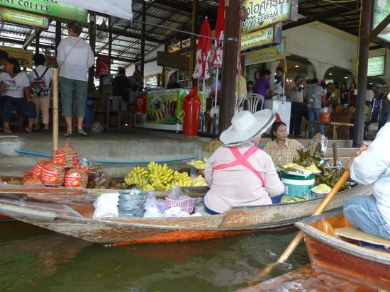 ‪Don Manora Floating Market‬