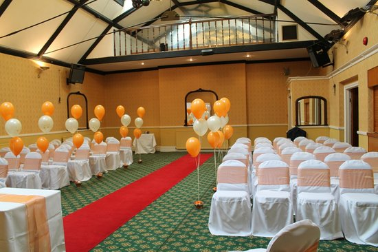 Castle Hotel : room ready for civil ceremony