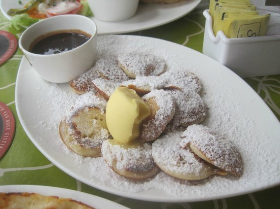 The Dutch Pancake House: Poffertjes with traditional powder and butter....we added the chocolate (awesome to dip into)