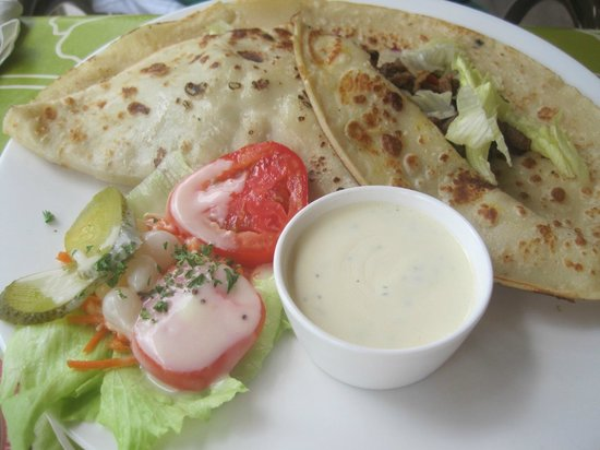 The Dutch Pancake House: Egyptian Pancake (my favorite)