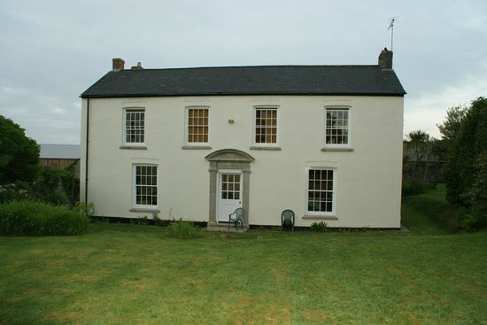 Tregonan Farmhouse B&B: Garden View