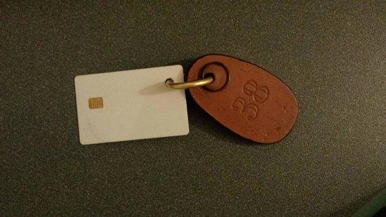 Hotel Byron: chiave della stanza 38
