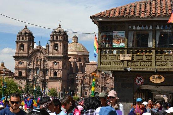 El Virrey Boutique Hostal: Armas De Plaza Cusco 3