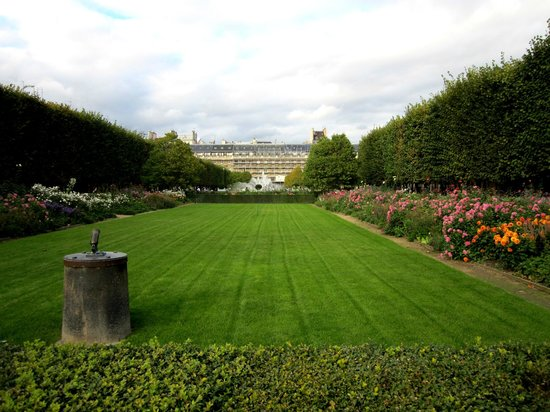 8 picture of jardin du palais royal paris tripadvisor for Jardin royal