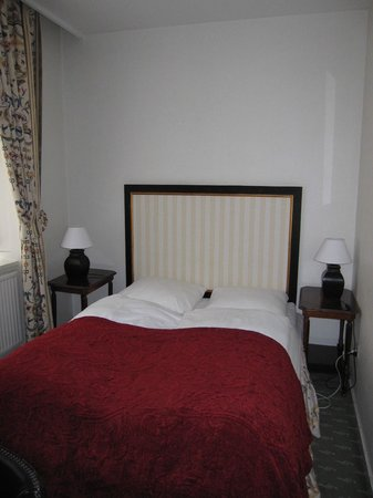 Hotel Opera: Room 319