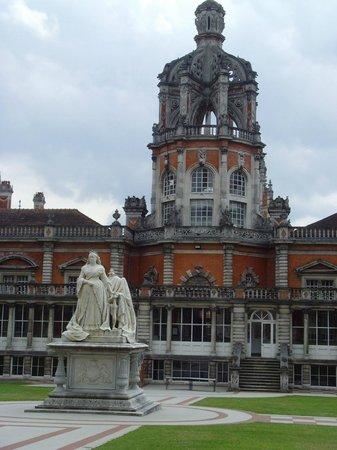 Royal Holloway Queen Victoria