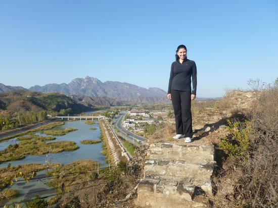 Jinshanling Great Wall: Overlooking Gubeikozhen North from the runis