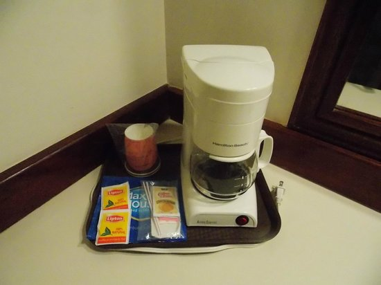 BEST WESTERN Belize Biltmore Plaza Hotel: coffee maker