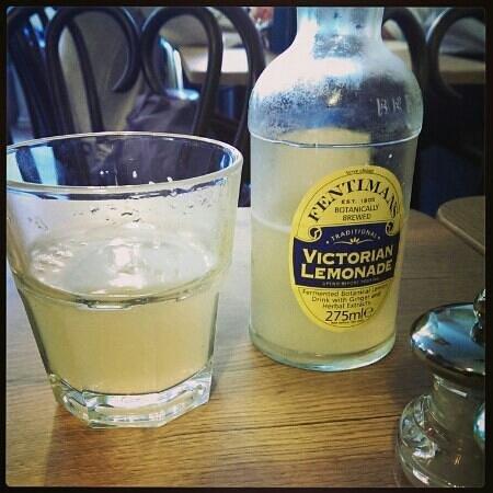 Ambience : vintage cloudy lemonade