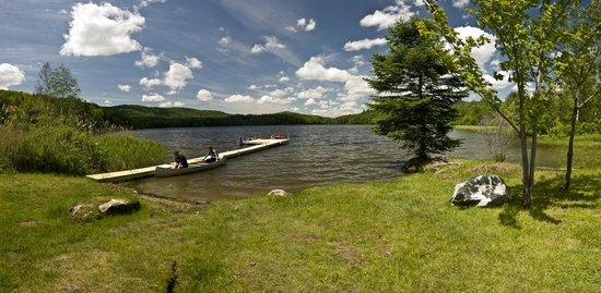 Mountain Meadows Lodge: Kent Pond