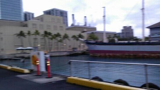 Honolulu Harbor: The harbor