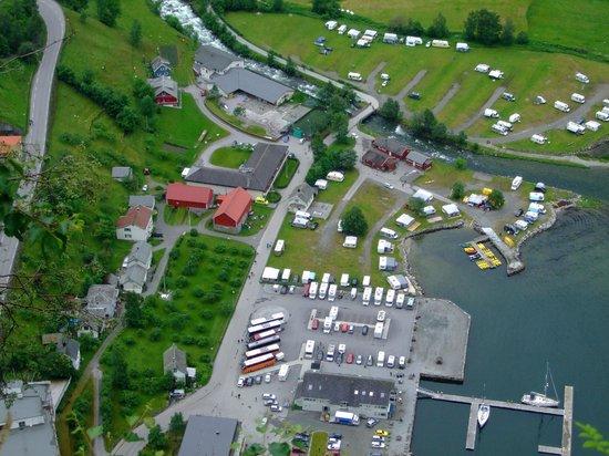 Marak Hytteutleige: Lodge from mountain