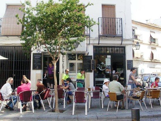 Hotel Don Paula: cafe bars in nearby Plaza de Trinidad