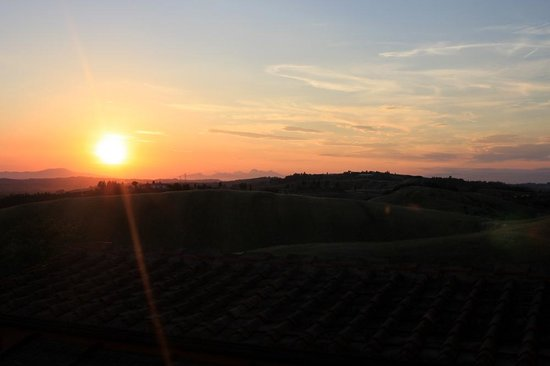 Podere Benintendi: Sunset from Galileo Apt