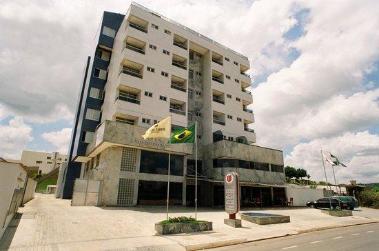 Nova Serrana, MG: Fachada 2