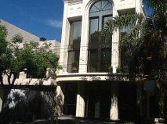 San Martin Plaza Hotel : FACHADA DESDE LA PLAZA