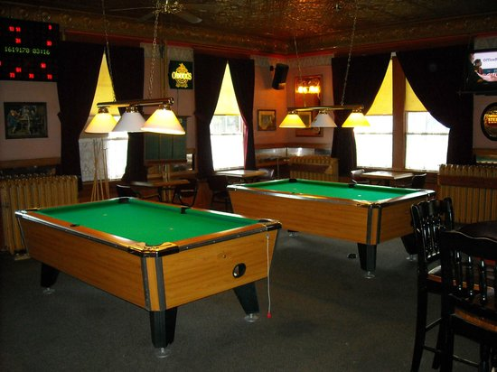 Coldwater Cafe: Recreaction area in the bar