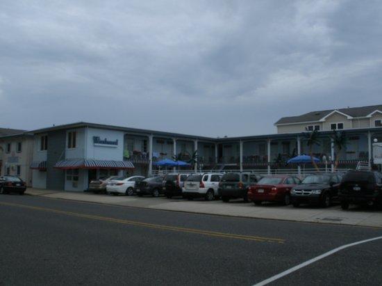 Windward Motel : Front of the motel