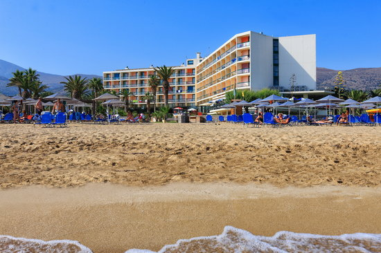 Sirens Hotels Beach and Village : Sirens Beach is located directly on a sandy beach