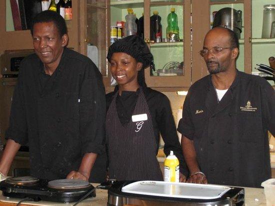 The Gastonian - A Boutique Inn: The amazing kitchen crew...James, Lakeshia and Mario