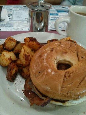 Milk Bottle Restaurant: bfast sandwich