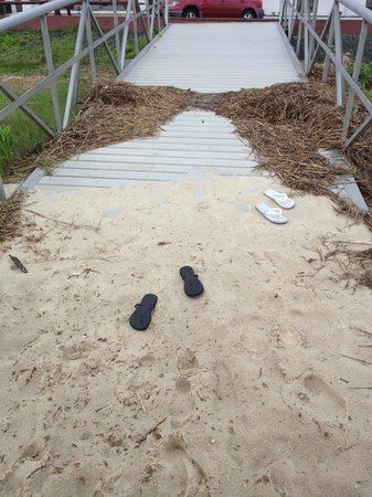 Comfort Inn & Suites West Atlantic City: Little dock from the hotel to beach area