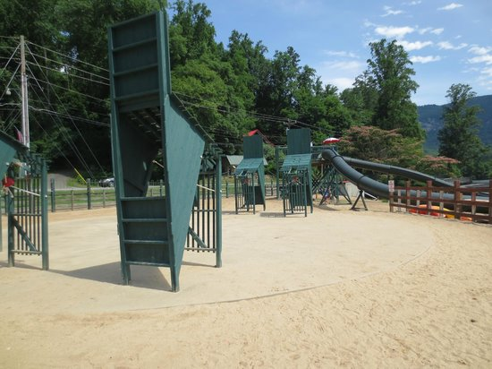 Beach at Lake Lure & Water Works : Water Wars - not working?