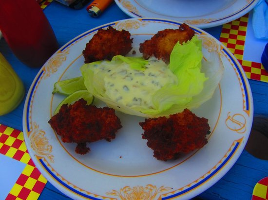 Seaside Paradise Restaurant: Conch Fritters! Best on the island