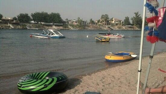 Needles Marina Park: the best beach on the river