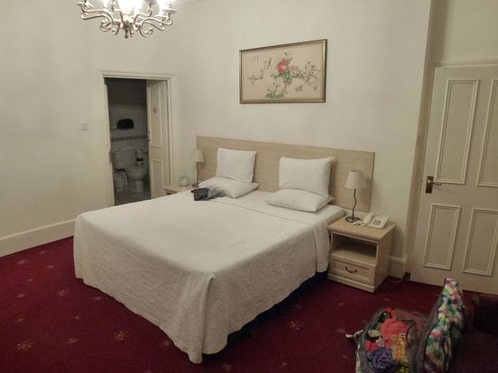 Cavendish Apartments : Great main bedroom