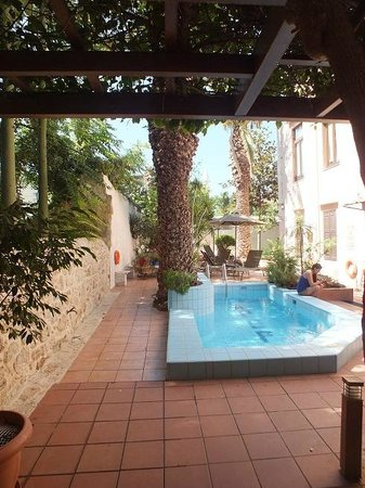 Pepi Boutique Hotel: Plunge pool