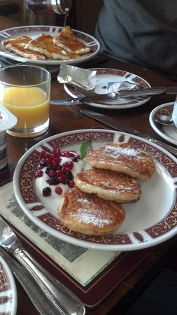 Hillgrove B&B: Pancakes & French Toast