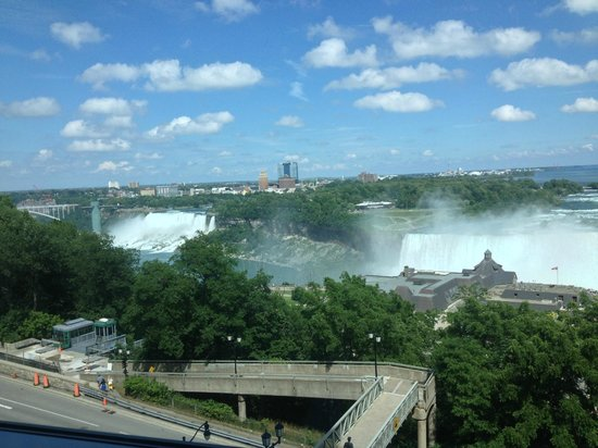 Niagara Falls Marriott Fallsview Hotel & Spa: View out room 803 looking toward American Falls on the left