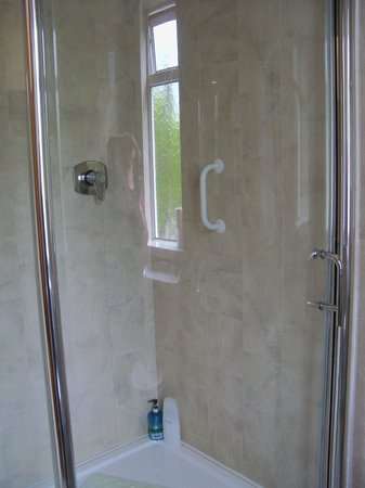 White Lodge Trim: Shower