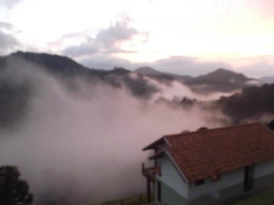 Bella Maua Pousada: Neblina