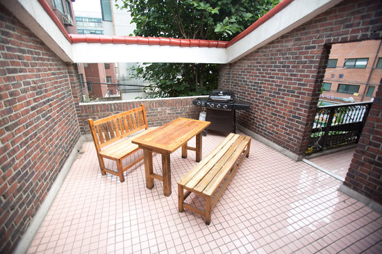 Tiger House : We have a western BBQ pit for the perfect outdoor experience in one of the busiest areas in the