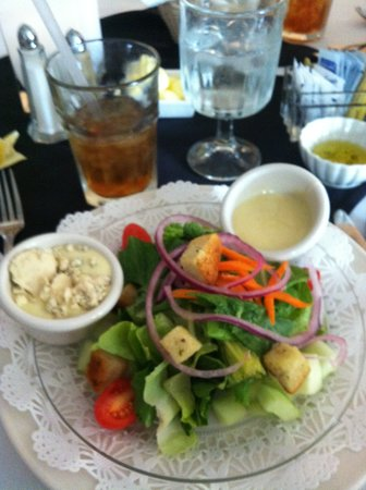 Cafe Michel: Delicious salad dressings