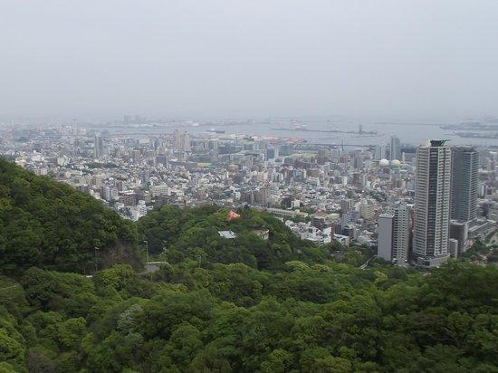 Nunobiki Falls (Nunobiki-No-Taki): 新神戸駅や神戸港方向の眺めです
