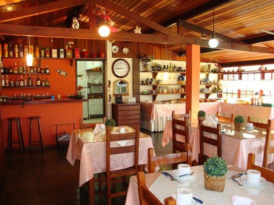 Pousada Vale do Ermitao: O restaurante para café da manhã e caldinhos a noite.