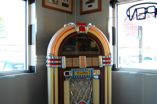 Galaxy Diner: The classic Wurlitzer juke box adds to the atmosphere!