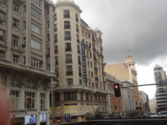 Regente Hotel: Vista da rua do hotel