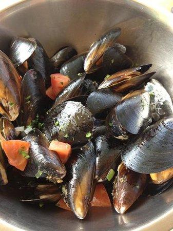 El Pescador Fish Market: mussells
