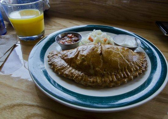 Goodlife Cafe and Bakery: empanada