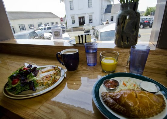 Goodlife Cafe and Bakery: Leisurely lunch