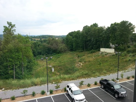 Holiday Inn Express and Suites Wytheville: View 1
