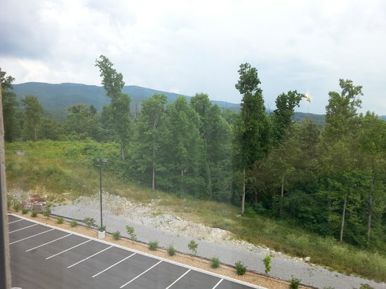 Holiday Inn Express and Suites Wytheville: View 2