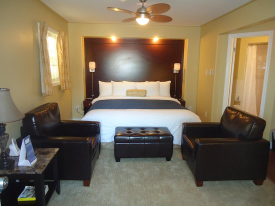 Bayside Inn & Waterfront Suites: Waterview King Suite- New boutique room 2013
