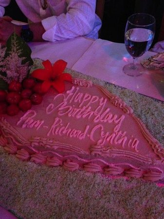 Bombay Bar & Grill: They made this beautiful cake for me. It was delicious!